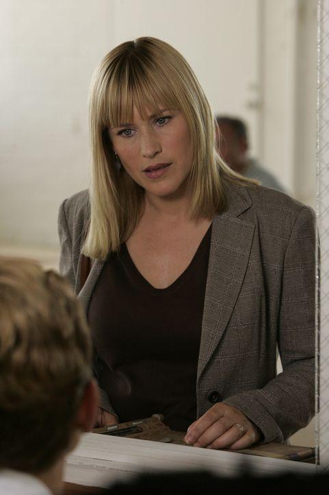 Aufgrund eines seltsamen Traumes forscht Allison (Patricia Arquette) in einer psychiatrischen Anstalt nach, wo sie eine erstaunliche Entdeckung mach... - Bildquelle: Paramount Network Television