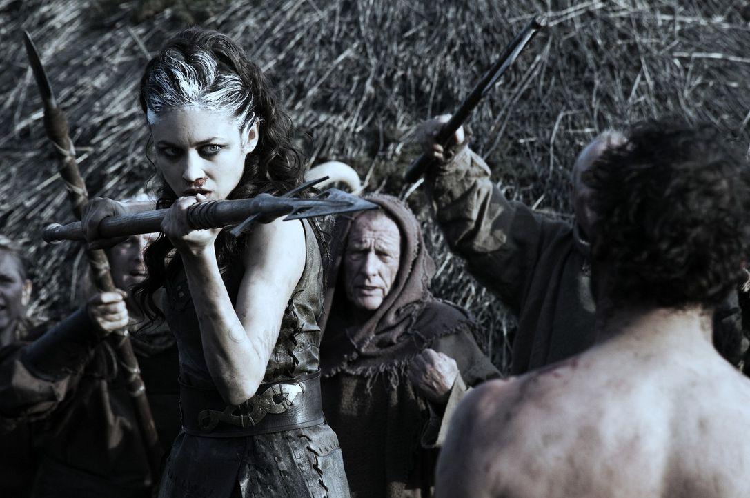Als im Jahr 117 n. Chr. die Römer versuchen, einen keltischen Stamm auszumerzen, lockt die stumme Schottin Etain (Olga Kurylenko) die gesamte römi...