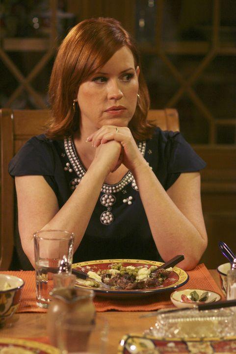 Anne (Molly Ringwald) will, dass ihre Tochter ihre Jugend genießt und Spaß hat - doch was dabei herauskommt, ahnt sie sicher nicht.... - Bildquelle: ABC Family