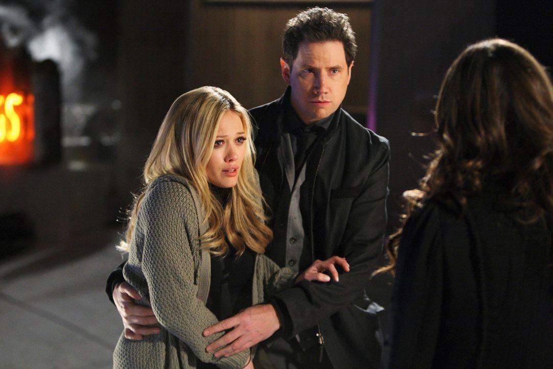 Elis (Jamie Kennedy, M.) Nachbarin Morgan Jeffries (Hilary Duff, l.) wird von einem Geist heimgesucht. Melinda (Jennifer Love Hewitt, r.) hat schon... - Bildquelle: ABC Studios