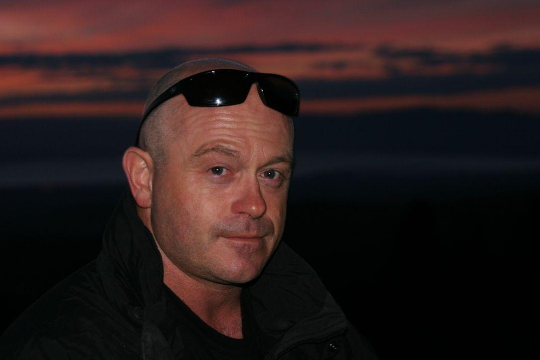Ross Kemp begibt sich auf seine bisher gefährlichste Reise, um zu erfahren, warum das ehemalige Juwel Afrikas Kenia im Chaos versinkt ... - Bildquelle: IMG Entertainment 2008