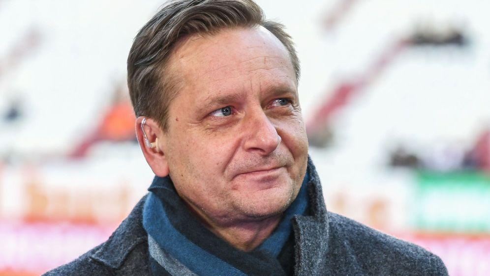 Horst Heldt will weiter an Trainer Doll festhalten - Bildquelle: PIXATHLONPIXATHLONSID