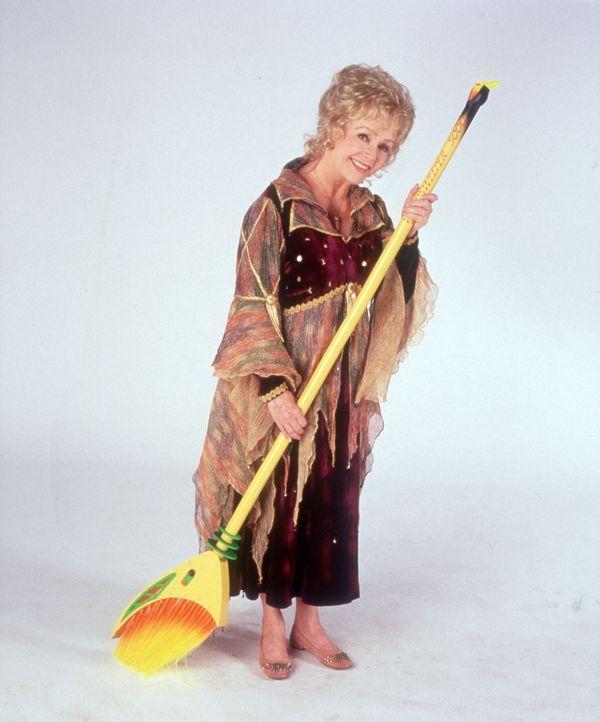 Wer hätte das gedacht? Aber die liebenswerte Großmutter Aggie Cromwell (Debbie Reynolds) ist eine Hexe ... - Bildquelle: Disney