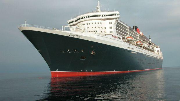 Die Queen Mary 2 ist eines der größten Kreuzfahrtschiffe der Welt, sie wird a...