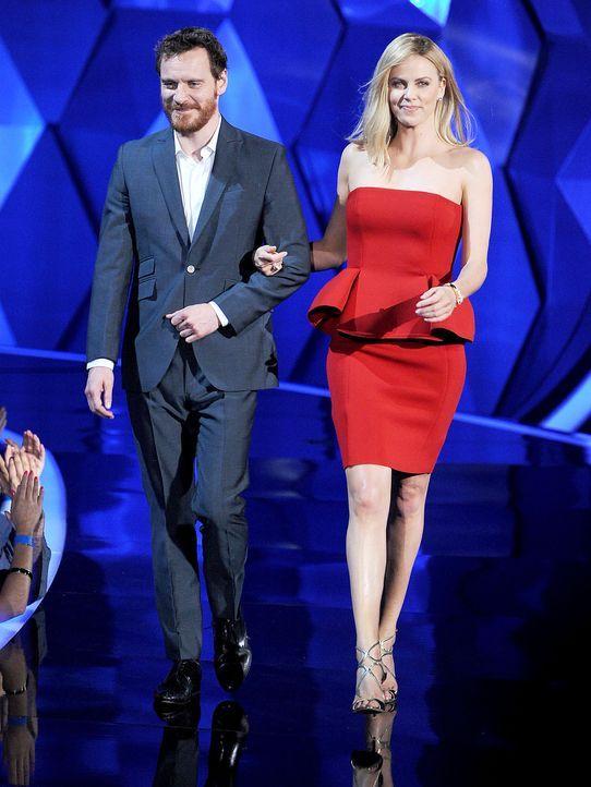 mtv-movie-awards-Michael-Fassbender-Charlize-Theron-12-06-03-getty-AFP - Bildquelle: getty-AFP