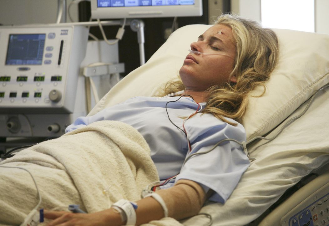 Nach dem Unfall leidet Alexis Meade (Rebecca Romijn) unter partiellem Gedächtnisverlust ... - Bildquelle: Buena Vista International Television