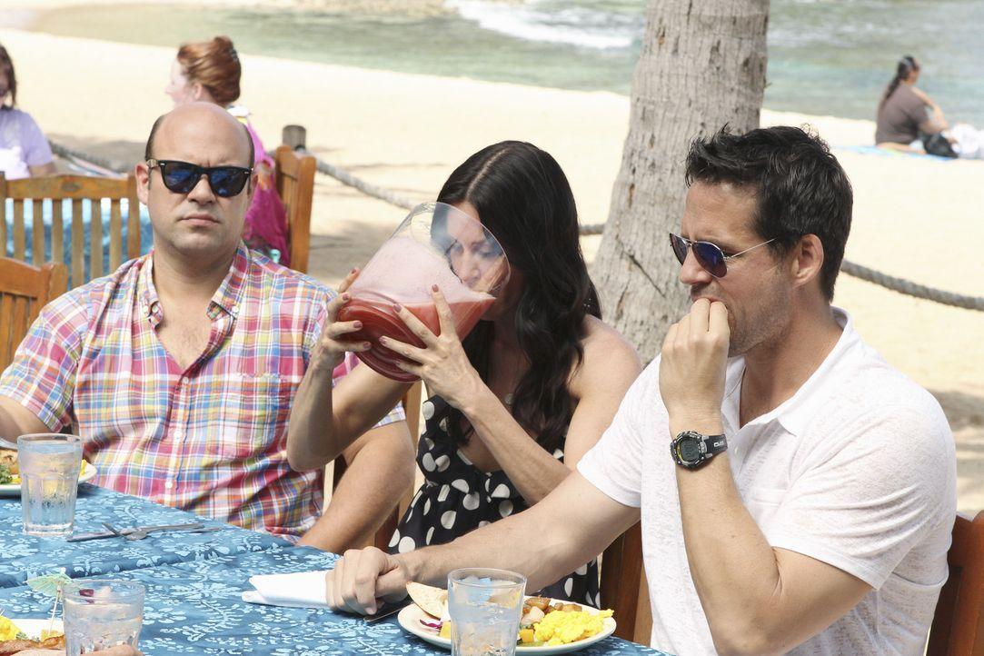 Jules erfährt von Laurie, dass Travis nach Hawaii gefahren ist und ist entsetzt. Sofort erwacht in ihr der Mutterinstinkt, der dafür sorgt, dass s... - Bildquelle: 2010 ABC INC.