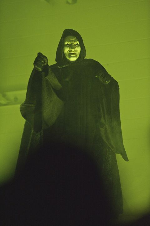 Geister treiben an der Coolsville High School ihr Unwesen ...