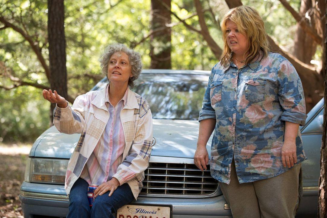 Tammy (Melissa McCarthy, r.) will ihr Chaos-Leben hinter sich lassen. Da sie mittellos ist, muss sie sich allerdings wohl oder übel mit ihrer verrüc... - Bildquelle: Warner Bros. Television