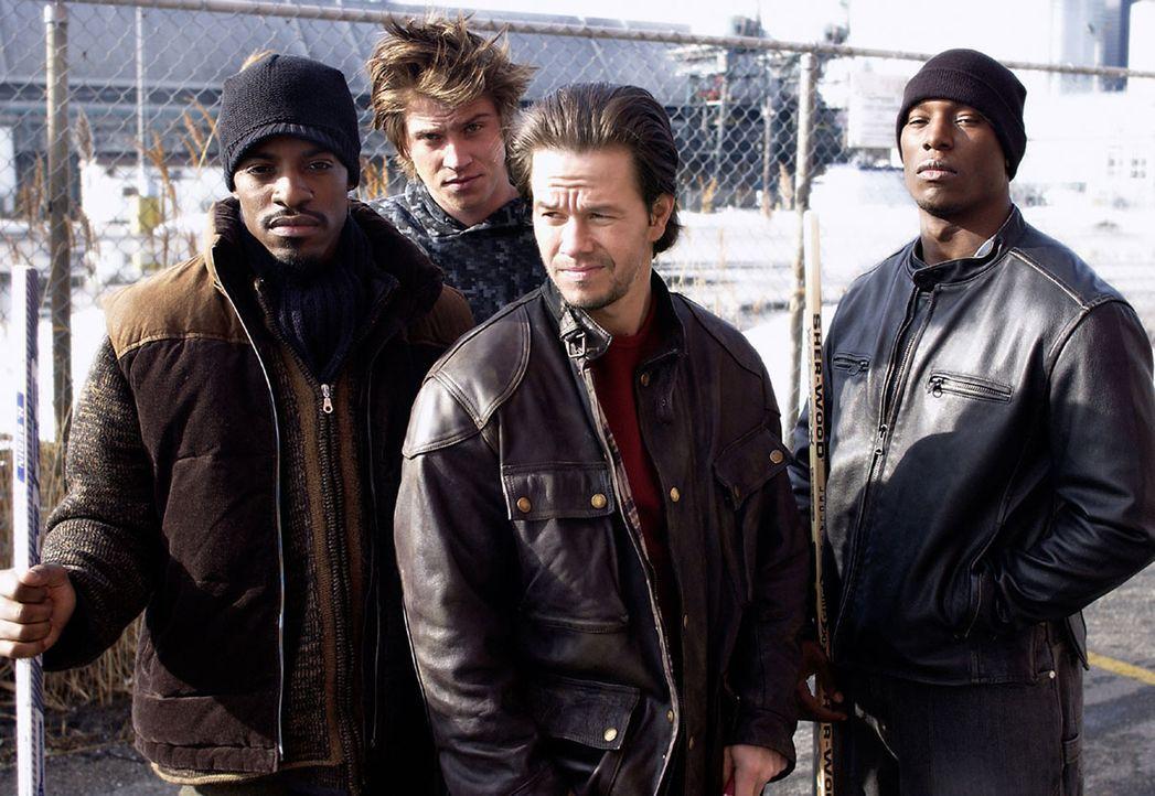 Vier Adoptivbrüder (v.l.n.r.: Andre Benjamin, Garrett Hedlund, Mark Wahlberg, Tyrese Gibson) kommen nach Jahren nach Hause zurück, um ihre Mutter... - Bildquelle: TM &   2006 Paramount Pictures. All Rights Reserved.