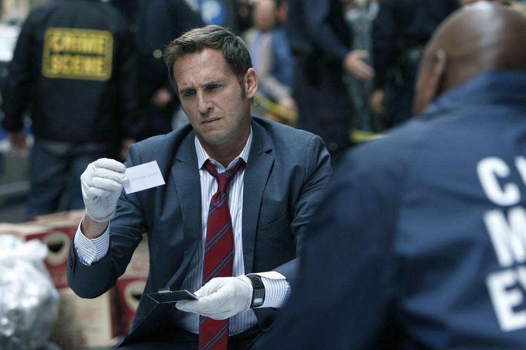 Als ein Galerist ermordet wird, müssen Jake (Josh Lucas) und sein Team alles tun, um den Mörder zu fassen ... - Bildquelle: Warner Bros. Entertainment, Inc.
