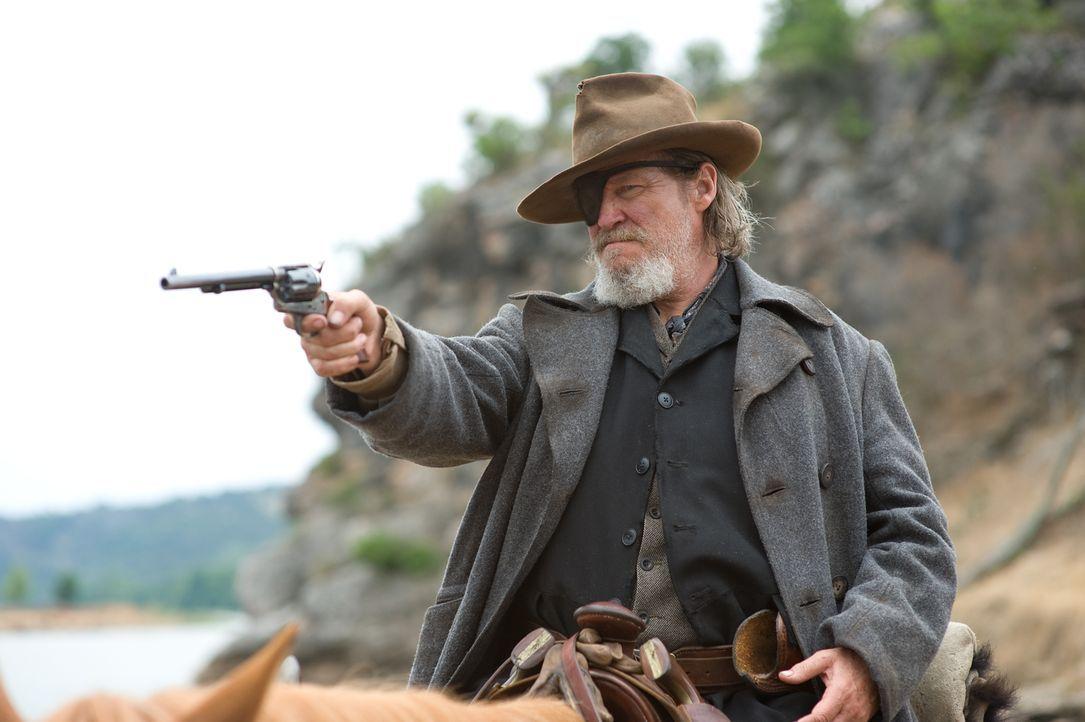 Der abgestumpfte Marshall Rooster Cogburn (Jeff Bridges) fackelt nicht lange, wenn ihm ein böser Bube vor die Flinte kommt. Doch für ein kleines Mäd... - Bildquelle: (2010) PARAMOUNT PICTURES. All rights reserved.