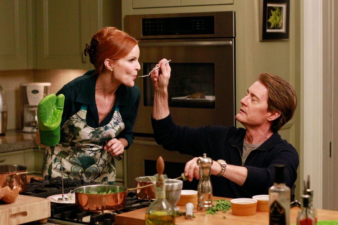Orson (Kyle MacLachlan, r.) gibt vor, Brees (Marcia Cross, l.) Leben wieder in die richtige Bahn lenken zu wollen, während Karen Roy aus dem Haus wi... - Bildquelle: Touchstone Pictures