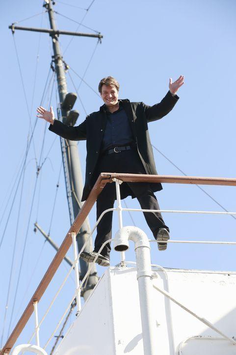 Castle (Nathan Fillion) und Beckett finden sich mitten auf dem Meer gefangen, als sie den Mord an einer Tänzerin auf einem Kreuzfahrtschiff untersuc... - Bildquelle: Mitchell Haaseth 2015 American Broadcasting Companies, Inc. All rights reserved.