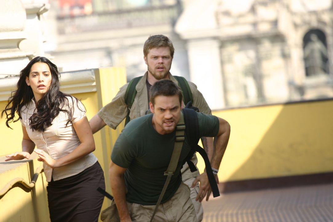 Auf der Flucht: Maria (Natalie Martinez, l.), Gordon (Elden Henson, hinten r.) und Jack (Shane West, vorne r.)