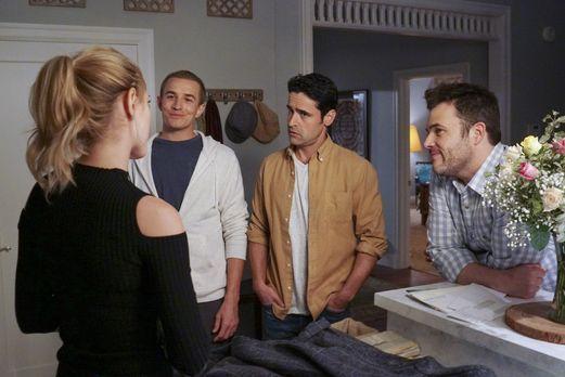 Bishop (Emily Wickersham, l.) bekommt zu Thanksgiving Besuch von ihren Brüder...
