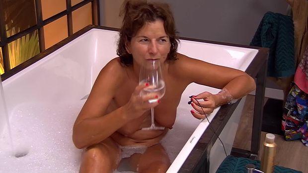Nathalie bleicher woth hot
