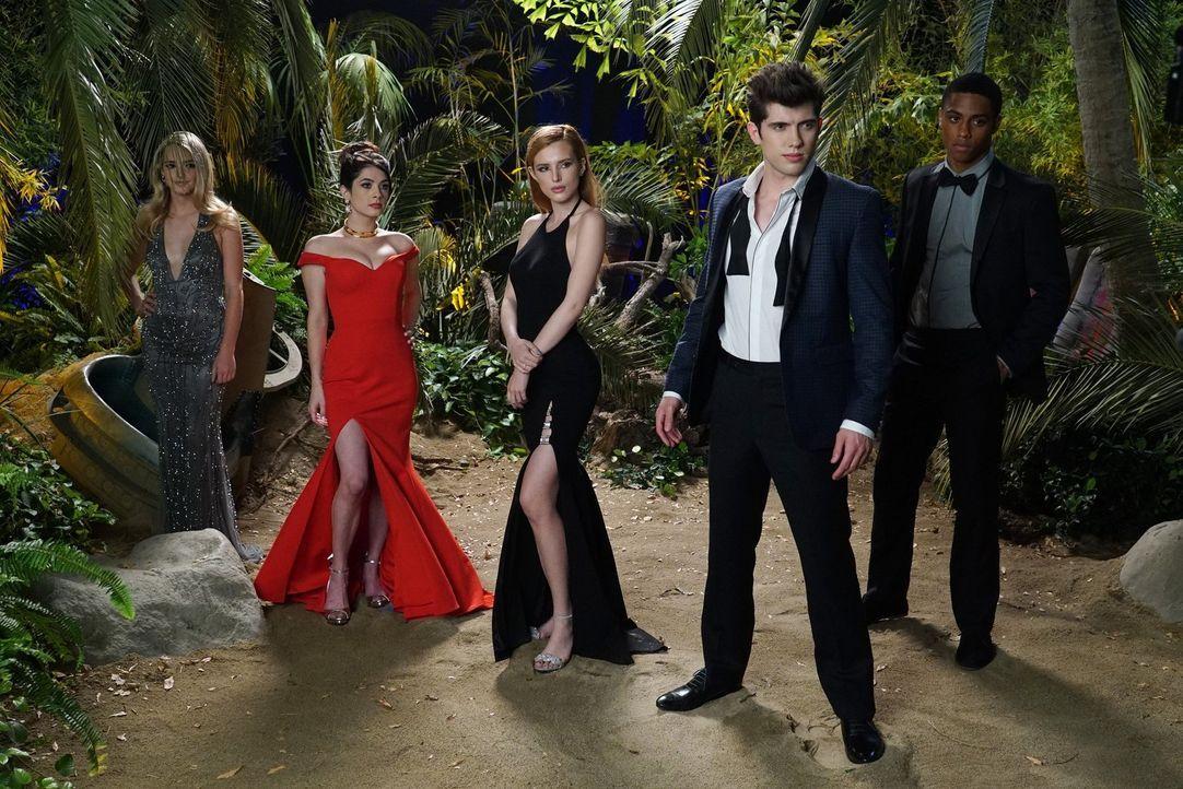 Am Set gilt höchste Professionalität. Können (vl.n.r.) Rachel (Katelyn Tarver), Alexis (Niki Koss), Paige (Bella Thorne), Rainer (Carter Jenkins) un... - Bildquelle: Warner Bros.