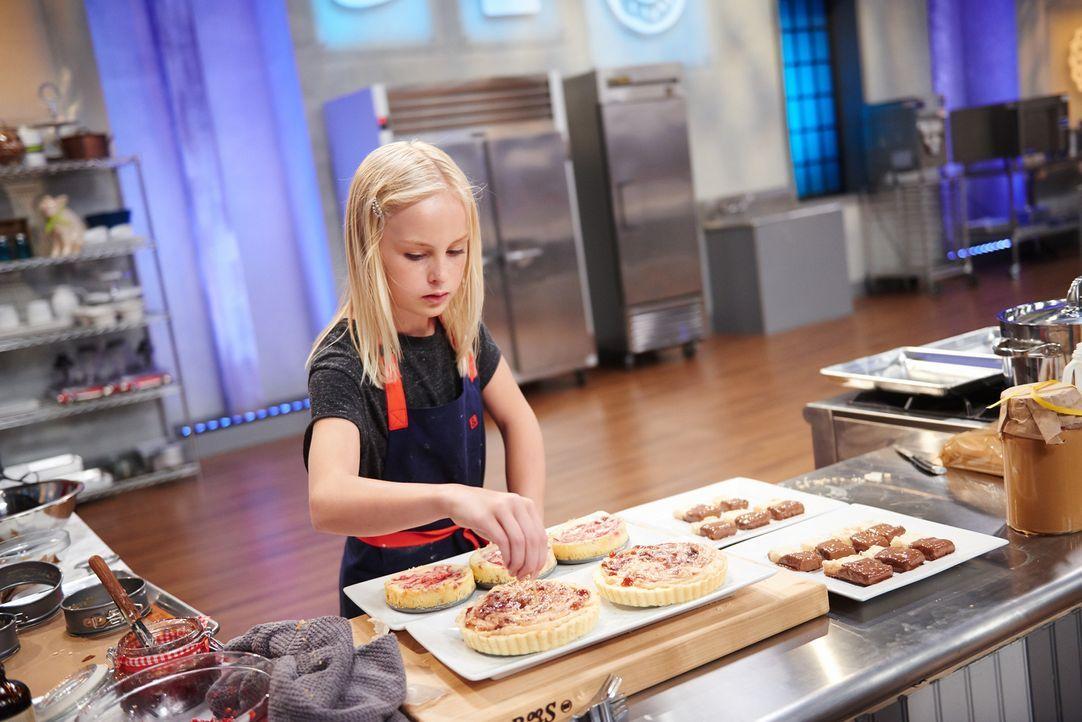 Mit viel Leidenschaft und Liebe zum Detail werkelt Annika in der Küche, aber kann sie mit dem Ergebnis auch die Jury überzeugen? - Bildquelle: Eddy Chen 2014, Television Food Network, G.P. All Rights Reserved