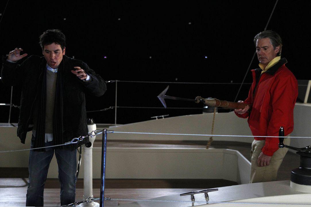 """Haben sie eine Chance Freunde zu werden? """"der Captain"""" (Kyle MacLachlan, r.) und Ted (Josh Radnor, l.) ... - Bildquelle: 20th Century Fox International Television"""