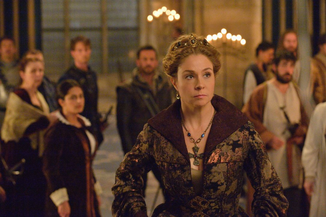 Als Fels in der Brandung steht Catherine (Megan Follows) Mary bei, als Protestanten das Schloss angreifen ... - Bildquelle: Ben Mark Holzberg 2014 The CW Network, LLC. All rights reserved.