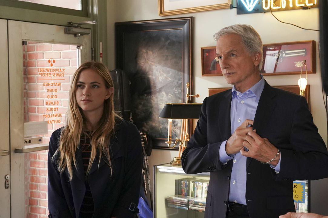 Ellie Bishop (Emily Wickersham, l.); Leroy Jethro Gibbs (Mark Harmon, r.) - Bildquelle: Monty Brinton 2018 CBS Broadcasting, Inc. All Rights Reserved/Monty Brinton