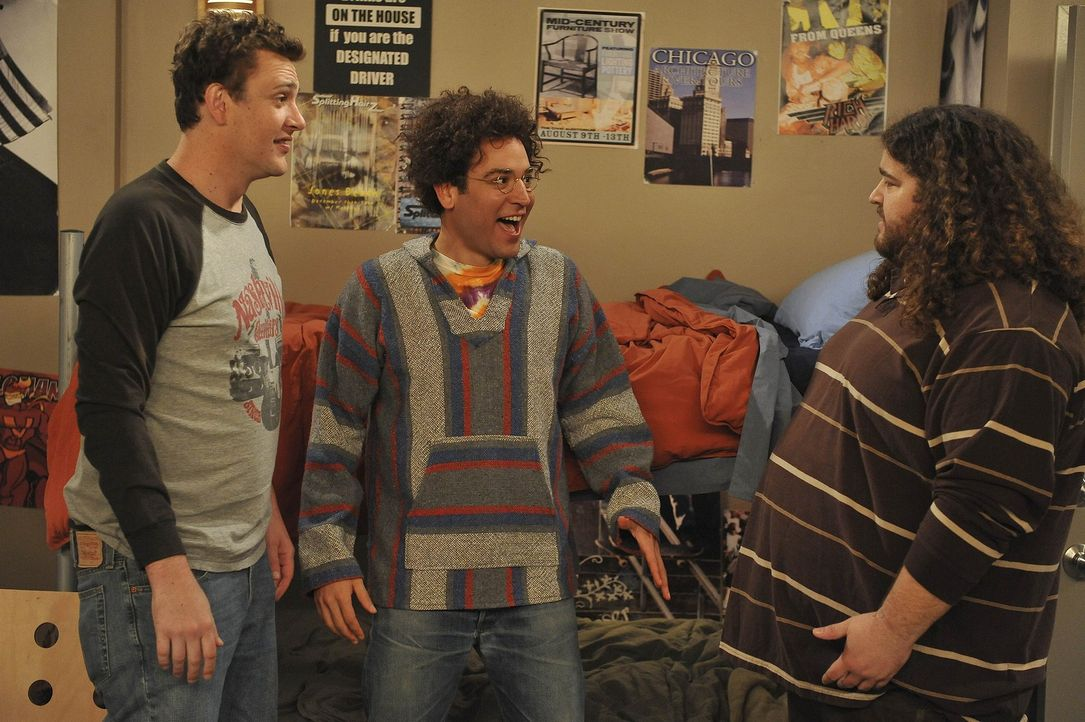 Rückblick in die wilden Collage-Zeiten: Ted (Josh Radnor, M.), Marshall (Jason Segel, l.) und Blitz (Jorge Garcia, r.) ... - Bildquelle: 20th Century Fox International Television