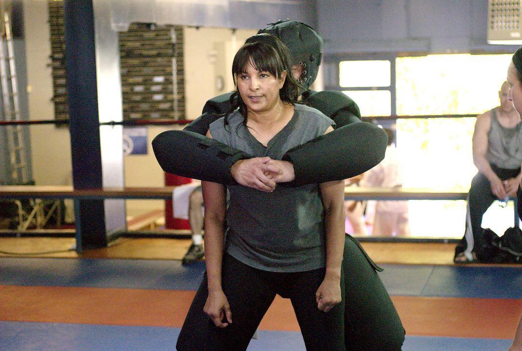 Kit (Pam Grier) versucht sich mit Selbstverteidigungstraining von ihrem Trauma zu erholen... - Bildquelle: Metro-Goldwyn-Mayer Studios Inc. All Rights Reserved.