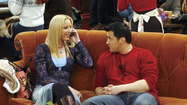 Phoebe (Lisa Kudrow, l.) und Joey (Matt LeBlanc, r.) sind sich einig, dass Ra...
