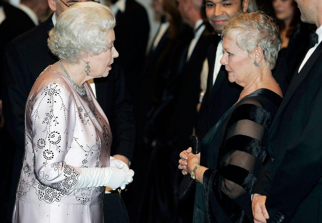 Judi-Dench-Queen-Elizabeth-06-01-14-AFP - Bildquelle: AFP