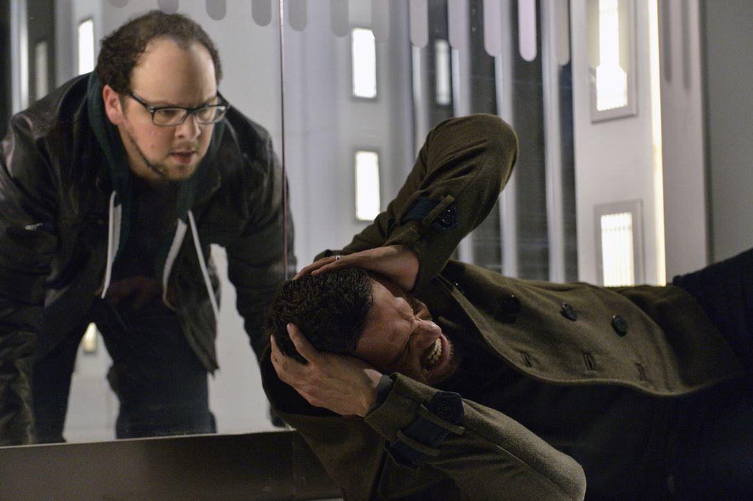 Jetzt da sie wissen, dass noch eine gefährliche Bestie unterwegs ist, müssen Cat und Vincent (Jay Ryan, r.) schnell handeln. Denn können sie diese f... - Bildquelle: Ben Mark Holzberg 2016 The CW Network. All Rights Reserved.