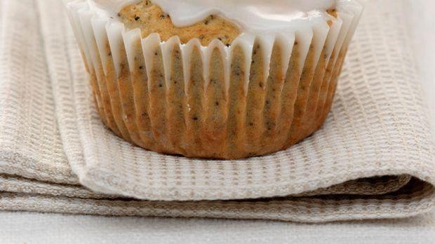 Leckere  Nussmuffin mit Zitronenglasur