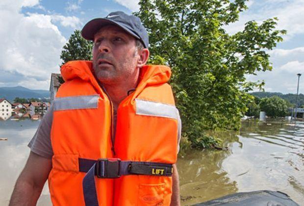 Hochwasser-Katastrophe-Niederbayern-13-06-06-dpa