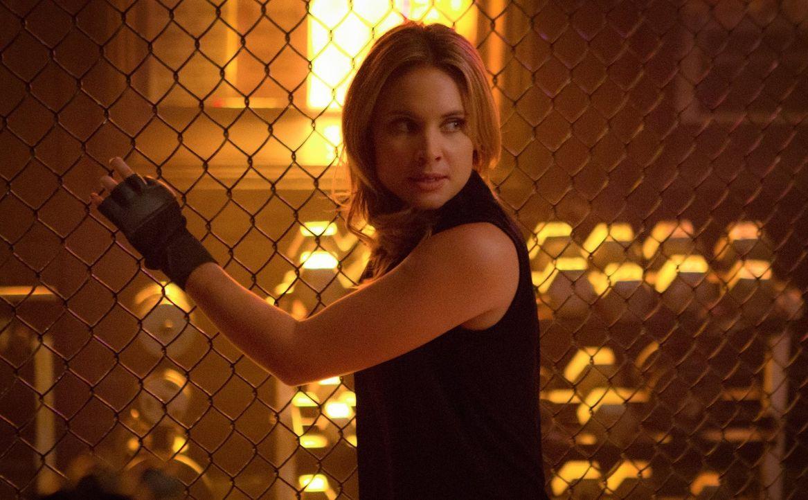 Nachdem Cami (Leah Pipes) die ultimative Waffe gegen die Mikaelsons verloren hat, will Aurora zum Schlag ansetzten ... - Bildquelle: Warner Bros. Entertainment, Inc.