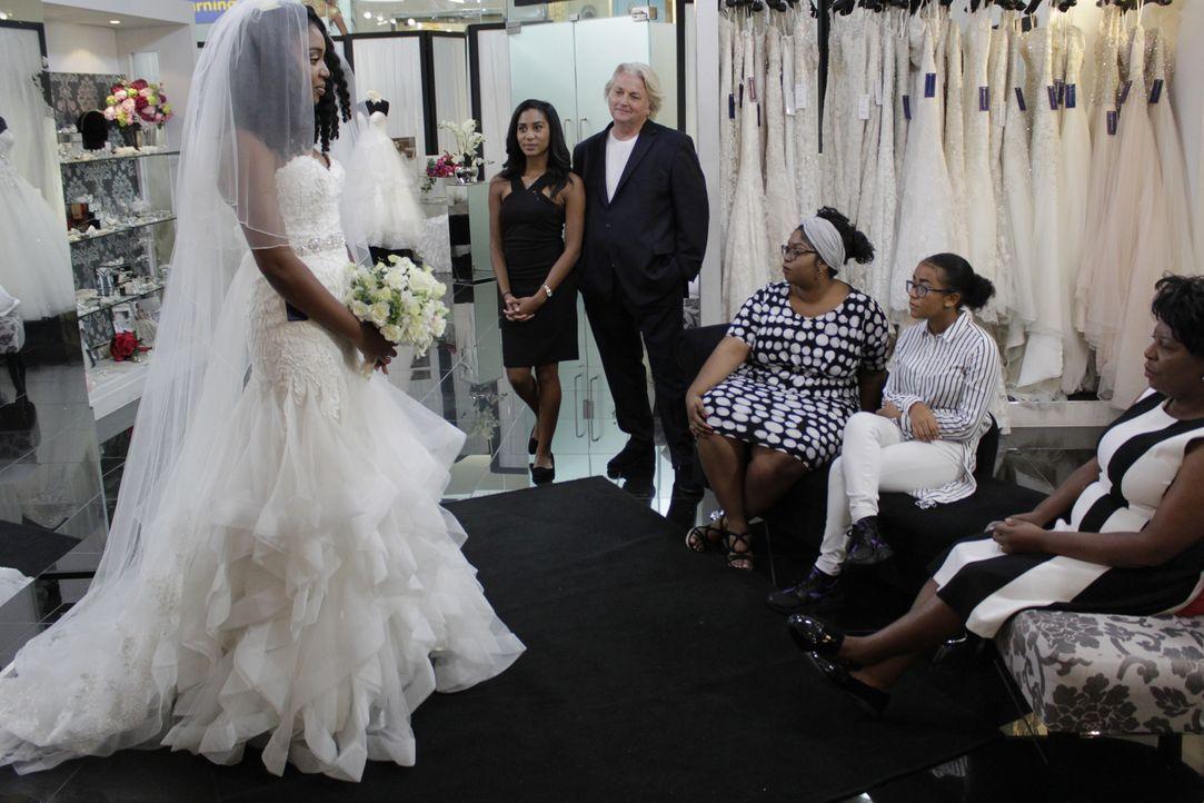 Braut Sophia hat asiatische Wurzeln und will mit einem Kleid voller Perlenst... - Bildquelle: TLC & Discovery Communications