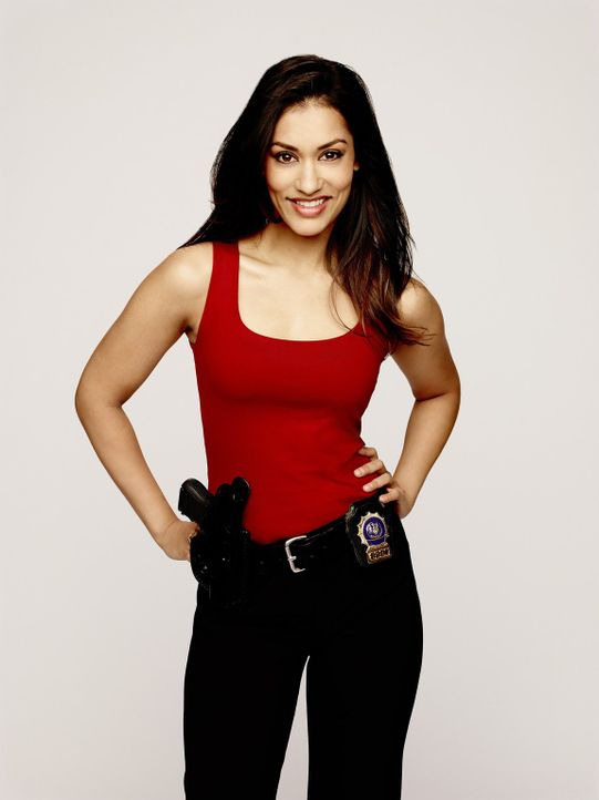 (1. Staffel) - Lauras Kollegin beim NYPD: Detective Meredith Bose (Janina Gavankar) ... - Bildquelle: Warner Bros. Entertainment, Inc.