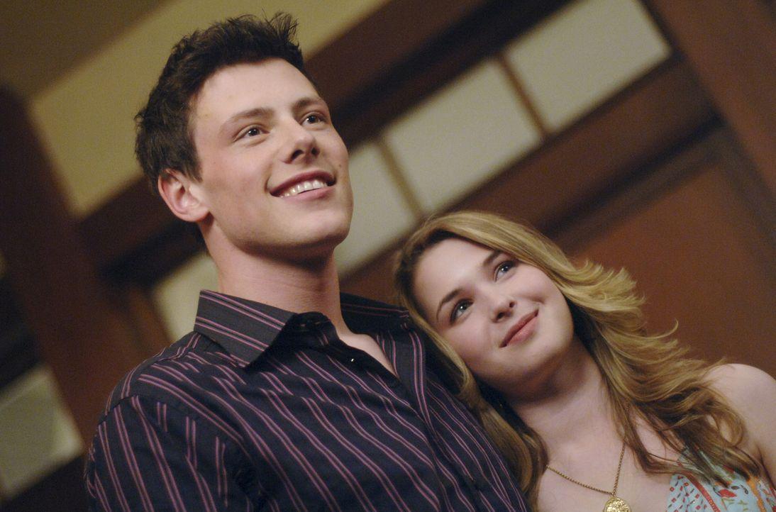 Auf der Party bricht für Kyle eine kleine Welt zusammen, als er Amanda (Kirsten Prout, r.) mit ihren Freund (Cory Monteith, l.) sieht ... - Bildquelle: TOUCHSTONE TELEVISION