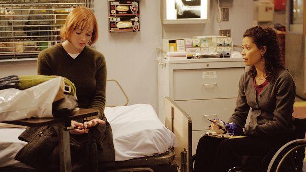 Abby wird Ohrenzeugin, wie ihr Nachbar Brian seine Frau Joyce (Christina Hend...
