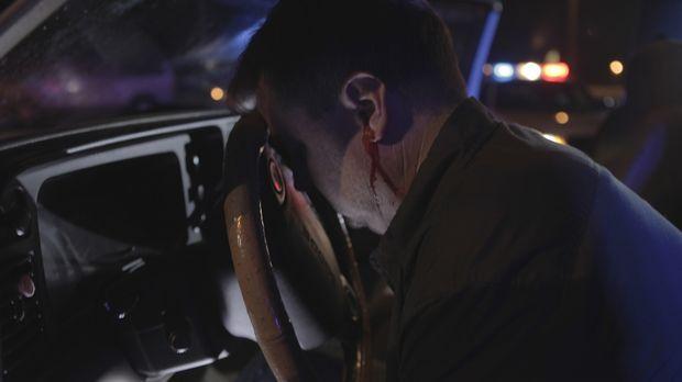 Der zweifache Vater William Alford (Eric Hunter) wird erschossen in der Nähe...