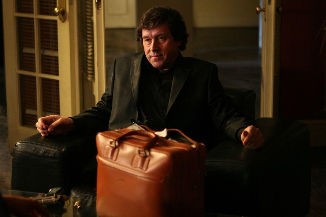 Hätte niemals geglaubt, dass sein Ex-Kollege den Kopfschuss überleben könnte und nun sogar zur blutigen Hatz auf ihn bläst: Gangsterboss Gabriel Cal...