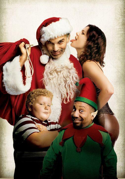 Willie T. Soke (Billy Bob Thornton, h.l.), Alkoholiker und Santa Claus in einem Einkaufszentrum, raubt mit seinem kleinwüchsigen Kollegen Marcus (T... - Bildquelle: 2006 Sony Pictures Television International.