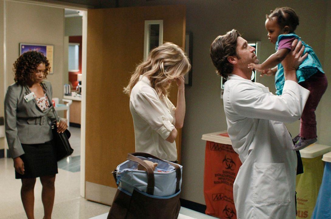 Die Neuigkeiten von Merediths (Ellen Pompeo, 2.v.l.) und Dereks (Patrick Dempsey, 2.v.r.) wackeliger Beziehung lassen die Alarmglocken bei der Sozia... - Bildquelle: ABC Studios