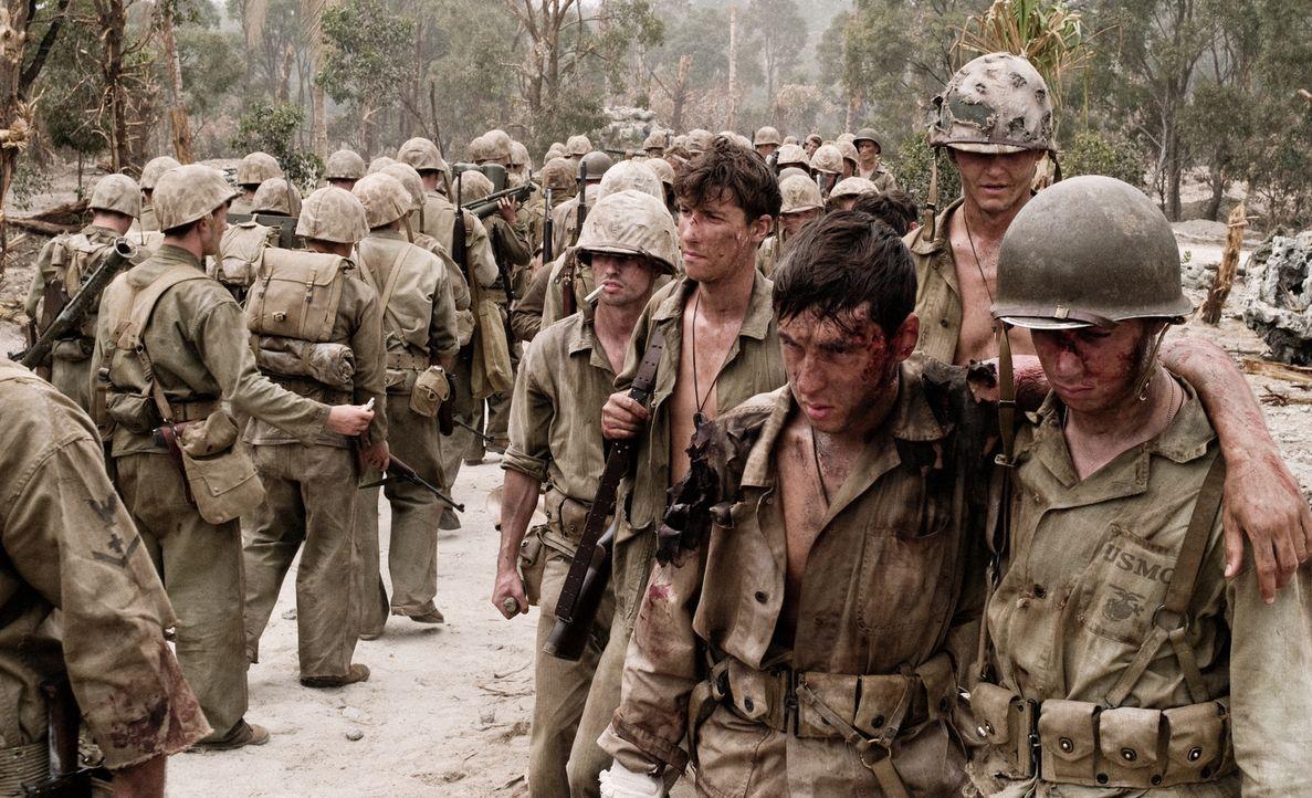 18.09.1944: Bei dem Gefecht auf dem von den Marines nur Bloody Nose Ridge genannten Grat wird das 1. Regiment stark dezimiert und auch das japanisch... - Bildquelle: Home Box Office Inc. All Rights Reserved.