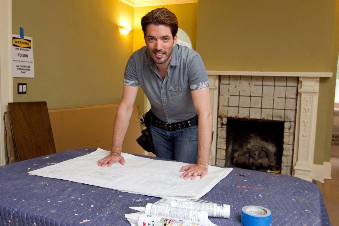 Jonathan weiß ganz genau, wie er aus einem renovierungsbedürftigen Haus ein schönes Zuhause machen kann ... - Bildquelle: Jessica McGowan 2013, HGTV/Scripps Networks, LLC. All Rights Reserved