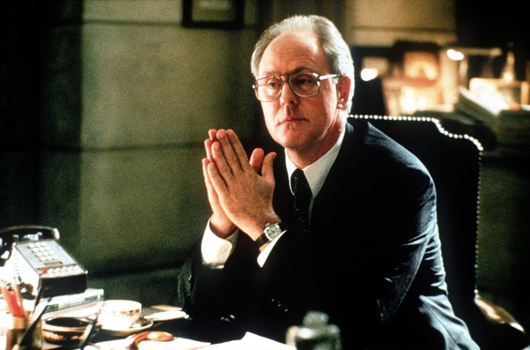 Richter Skinner (John Lithgow) führt den Prozess auf sehr eigene Weise ... - Bildquelle: Paramount Pictures