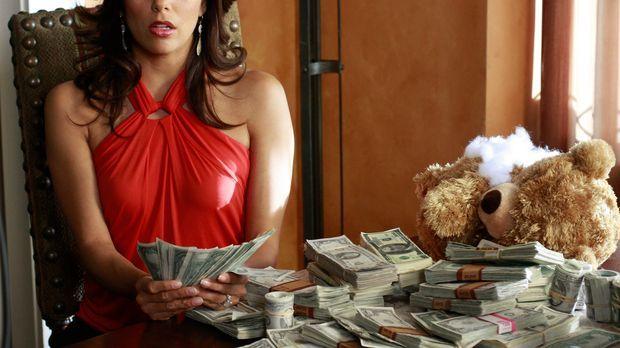 Ellie bittet Gabrielle (Eva Longoria), ihr einen Teddybären zu bringen, den s...