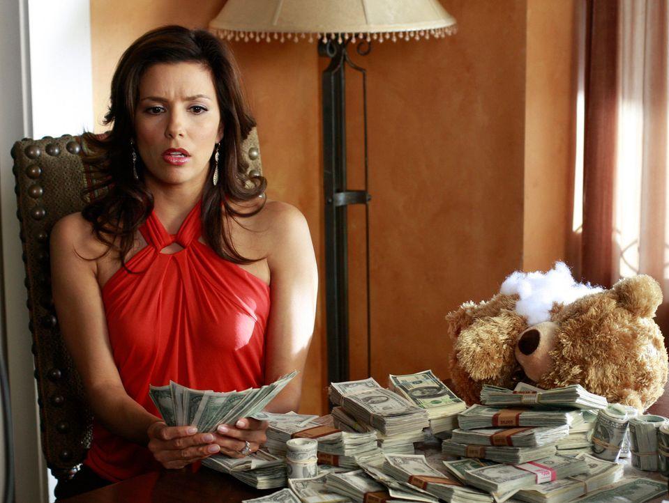 Ellie bittet Gabrielle (Eva Longoria), ihr einen Teddybären zu bringen, den sie in ihrem Zimmer vergessen hat. Doch als ihn Gabrielle näher untersuc... - Bildquelle: ABC Studios