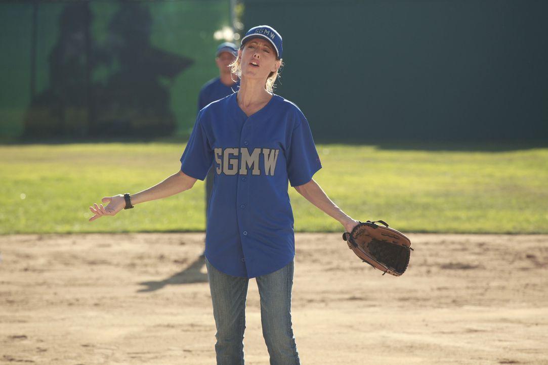 Owen hat das Krankenhaus zu einer Softball-Liga angemeldet und die Ärzte trainieren nun für das anstehende Spiel. Doch eine wirklich gute Figur ma... - Bildquelle: ABC Studios