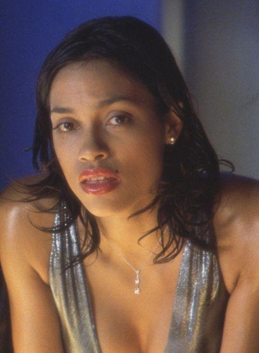 Kann Monty seiner atemberaubend schönen Freundin Naturelle (Rosario Dawson) trauen? - Bildquelle: Touchstone Pictures
