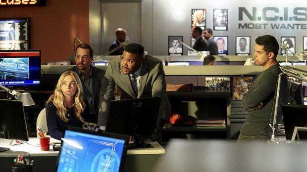 Während der Investigation einer Entführung entdeckt das NCIS Team (v.l.n.r.:...